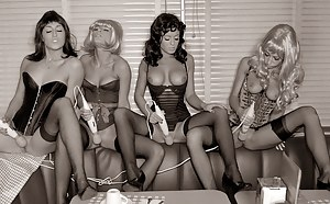 Pinup Lesbian Porn Pictures