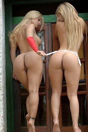 Perfect Ass Lesbian Porn Pictures